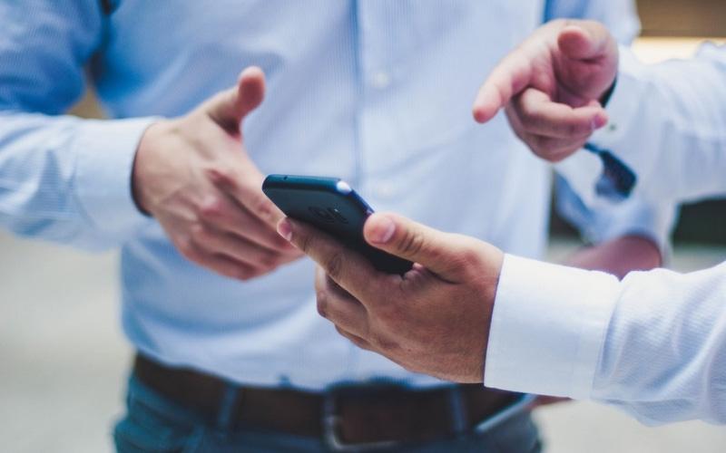 Không những giúp thu hút khách hàng, app mobile còn hỗ trợ công việc quản lý trong doanh nghiệp.