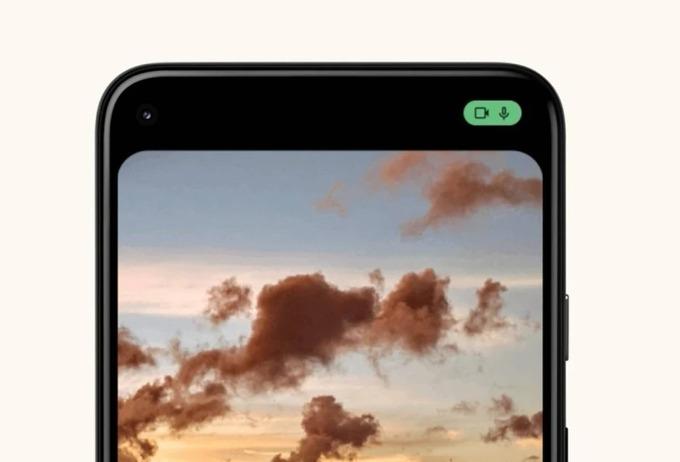 Biểu tượng thông báo ứng dụng đang sử dụng micro và camera trên smartphone của người dùng. Ảnh: Phonearena.